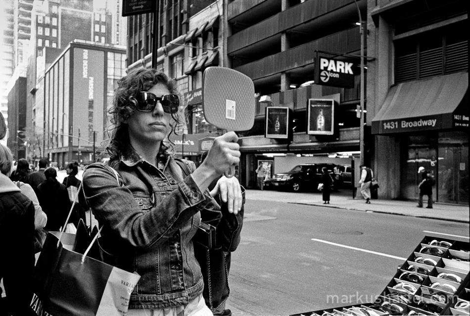 black-and-white street photography by Markus Hartel, New York City