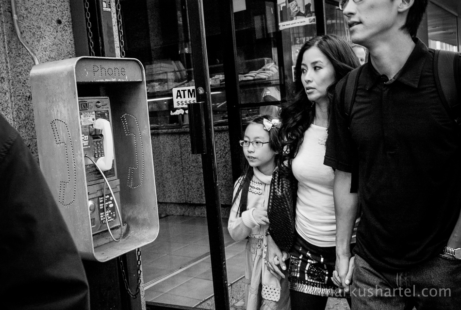 Black and white street photography by markus hartel new york city