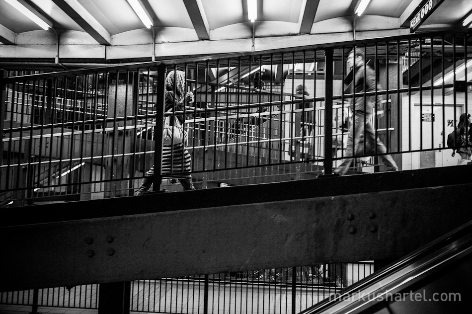 black and white street photography by Markus Hartel