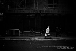 Sun beam - street photography by Markus Hartel, New York