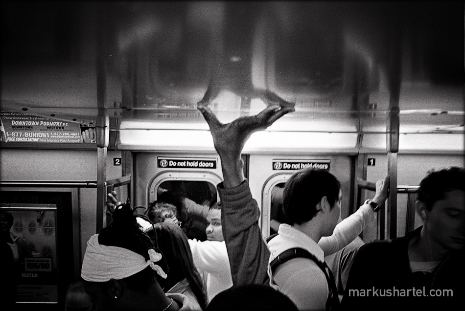 Modern american street photography by markus hartel new york straphangers black and white street