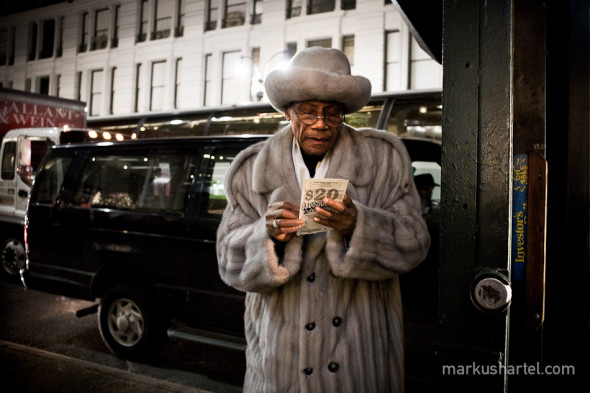 $20 Investor, street photography by Markus Hartel, New York
